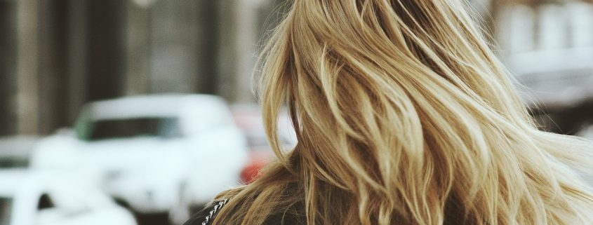 éclaircir ses cheveux naturellement